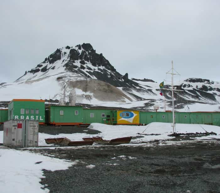 Brasil inicia reconstrução de estação de  pesquisa na Antártica