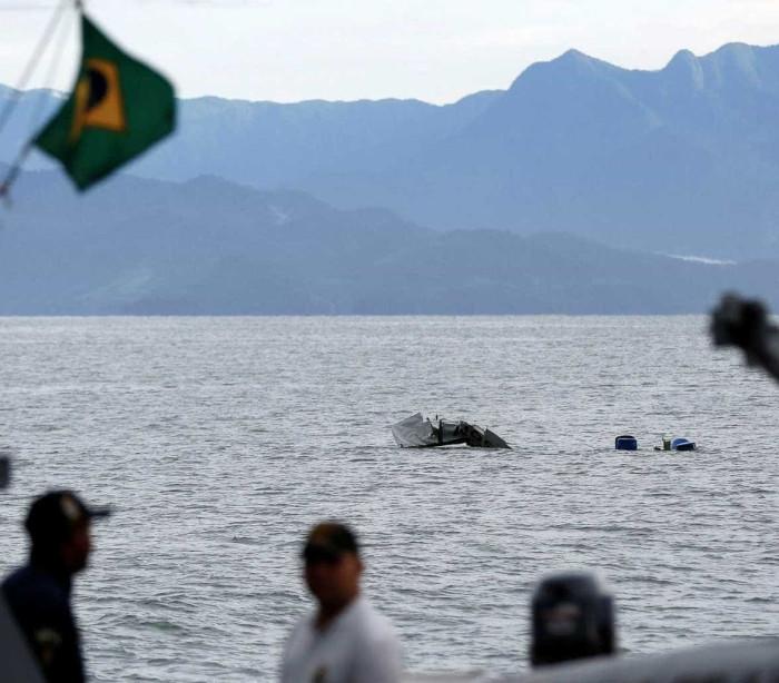 Pesquisa: 83% dos brasileiros creem que avião 'foi derrubado'
