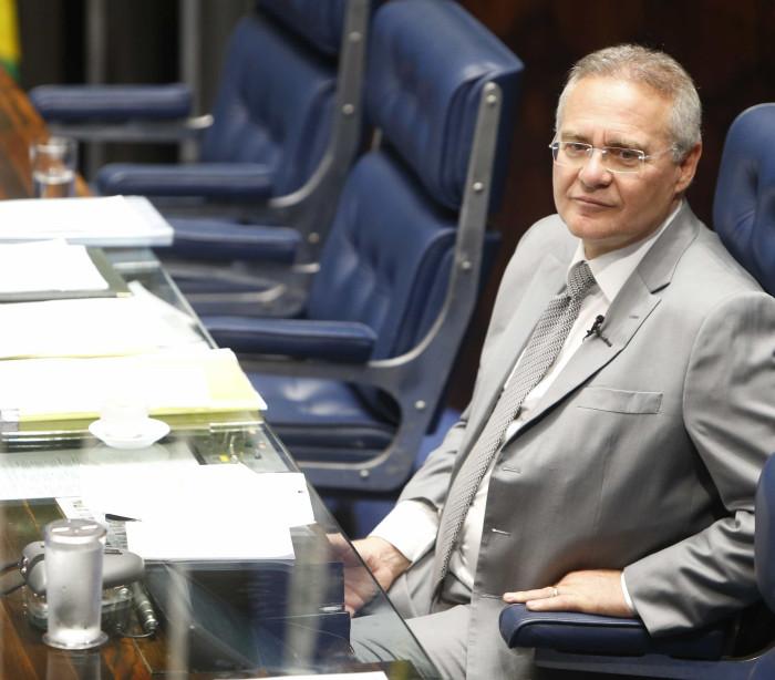 Senadores do PMDB assinam carta  contra sanção da terceirização