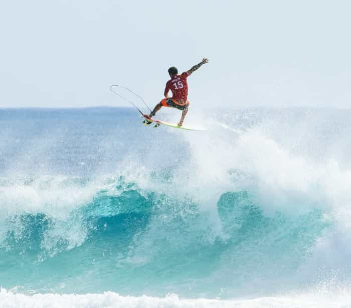 Italo Ferreira está fora das próximas duas etapas do Mundial de Surfe