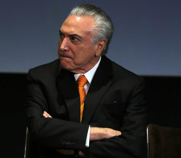 Mais da metade da bancada do  PSDB deve votar contra Temer