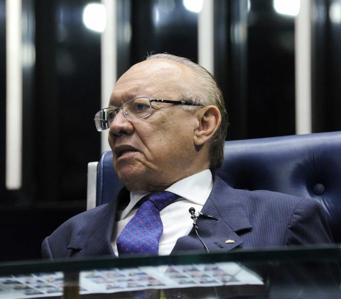Presidente do Conselho de Ética diz que Aécio foi vítima de 'armação'