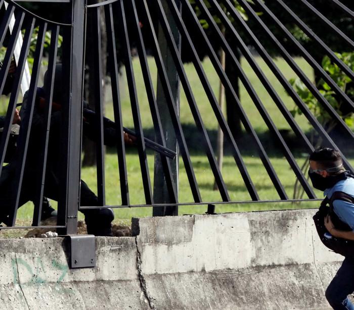 Pai de manifestante morto diz que foi chefe de Maduro e pede 'justiça'