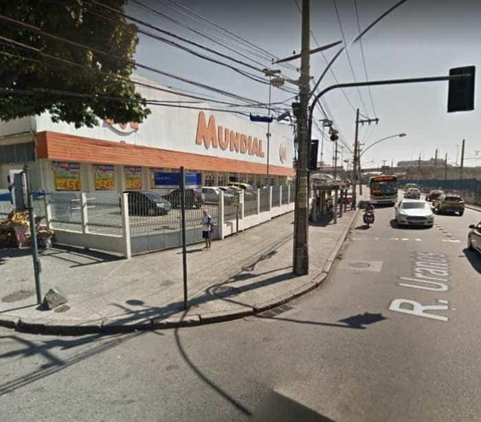 Tentativa de assalto a supermercado termina em tiroteio no Rio; veja
