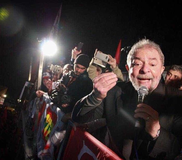 Lula afirma que as pessoas 'terão vergonha' de votar no Bolsonaro
