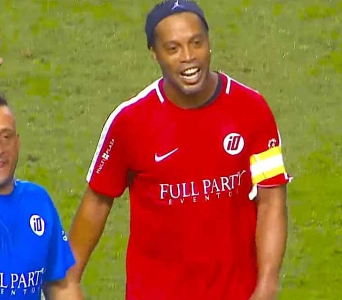 Ronaldinho só volta a jogar... se não tiver de treinar