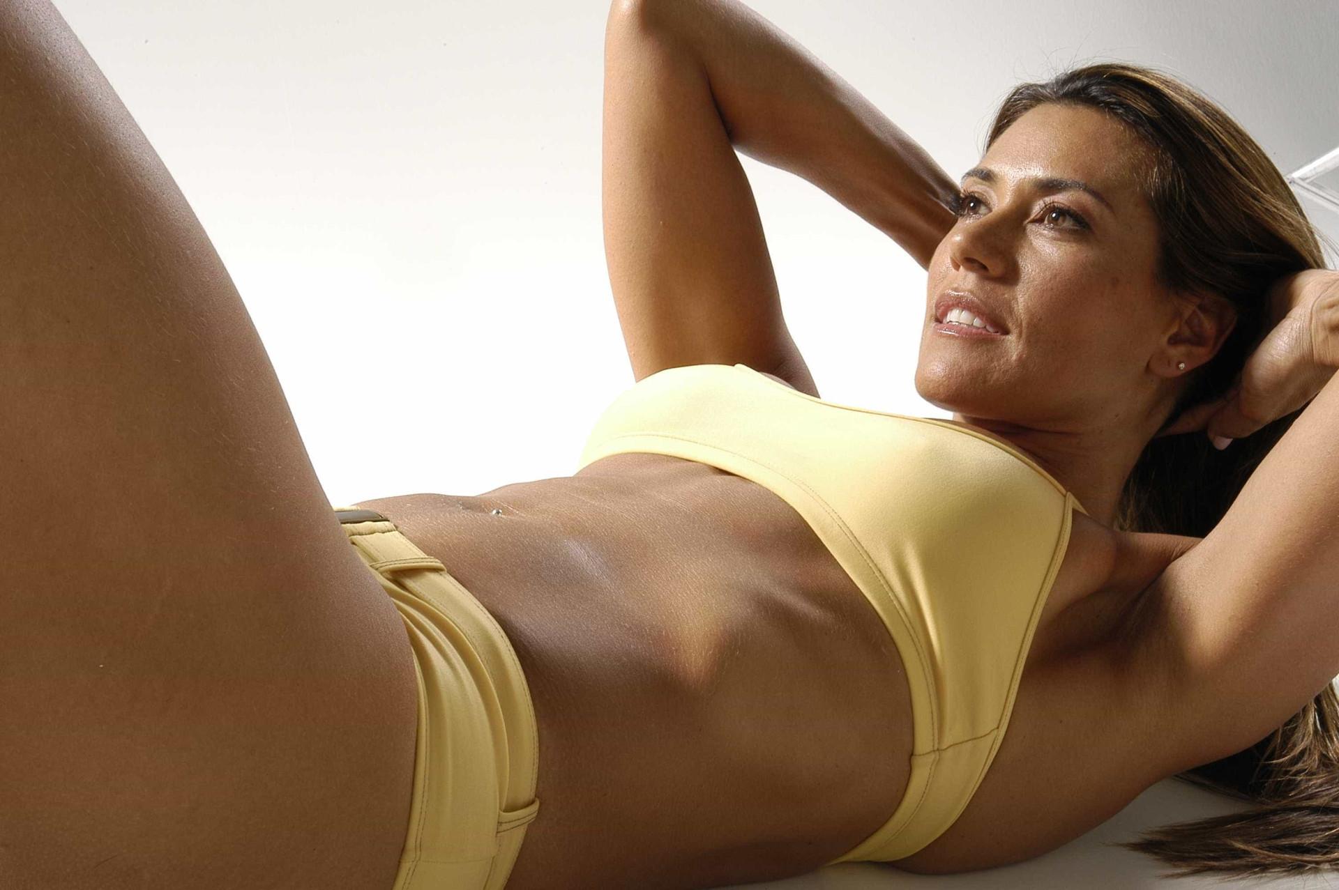 Eterna musa fitness: aos 55 anos corpo de Solange Frazão impressiona
