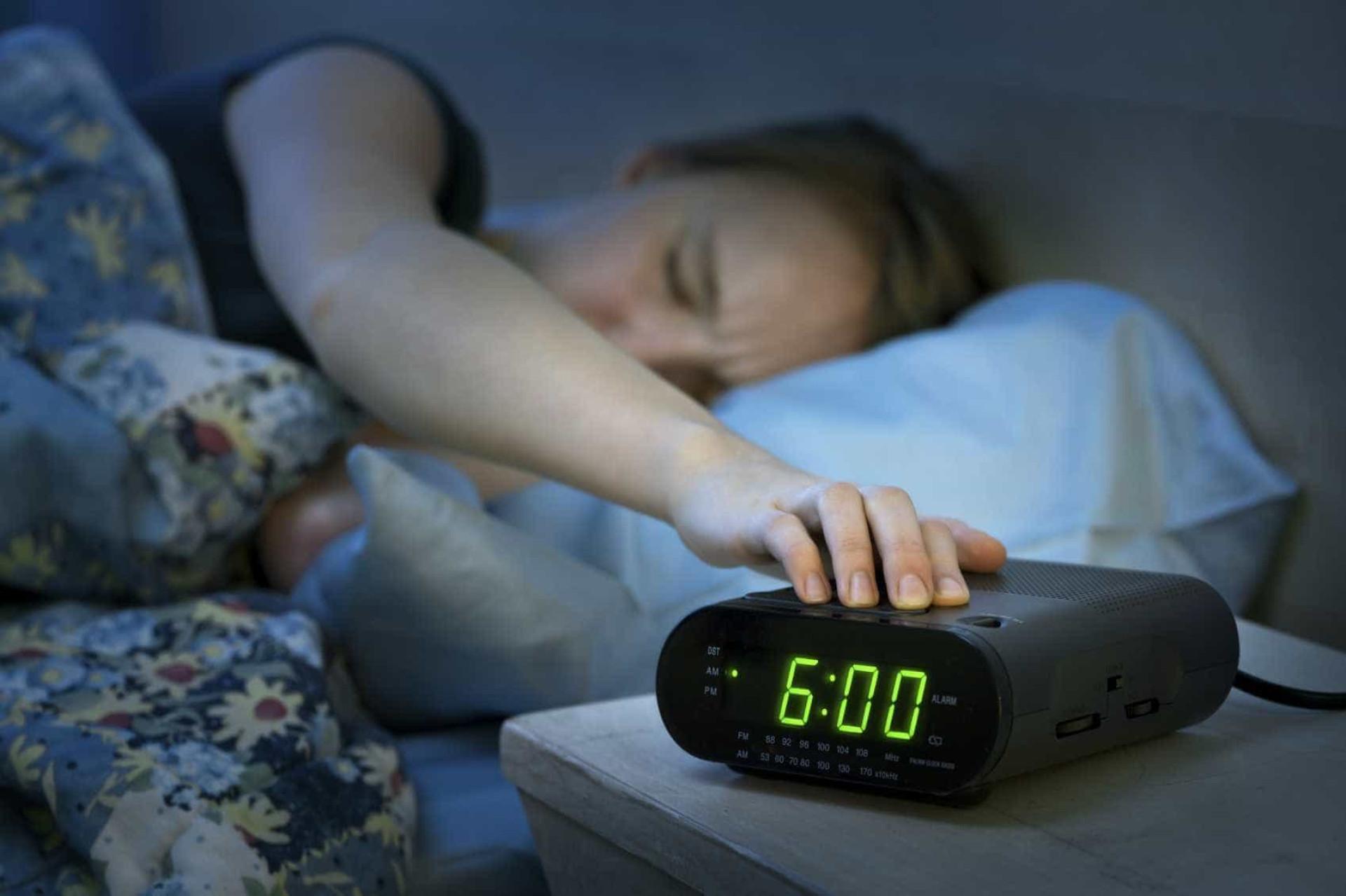 12 técnicas para conseguir acordar mais cedo