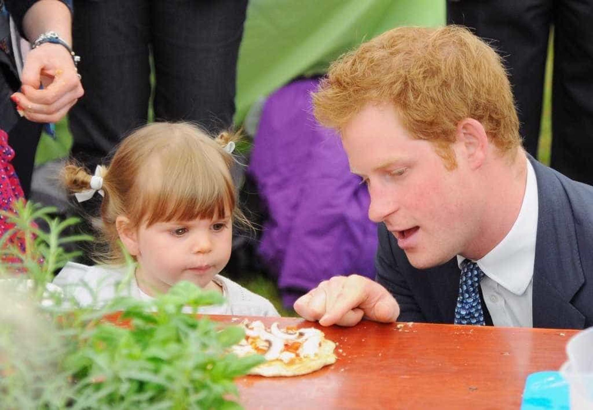 Príncipe Harry e as crianças nos momentos mais divertidos