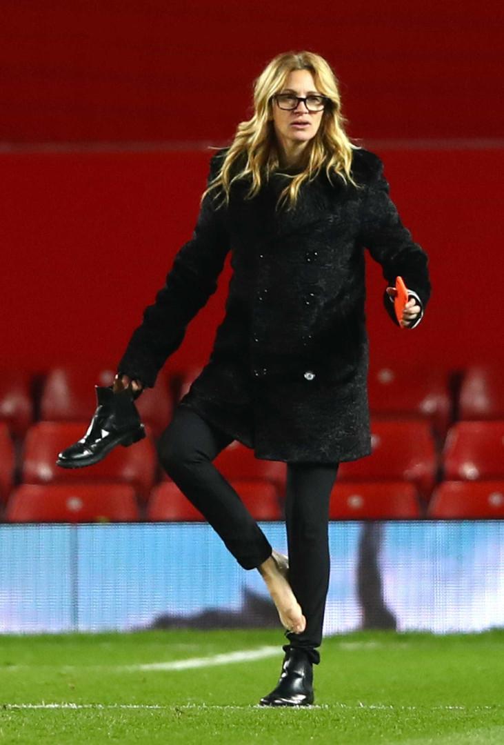 Jogador mais caro do mundo ganha beijo de Julia Roberts