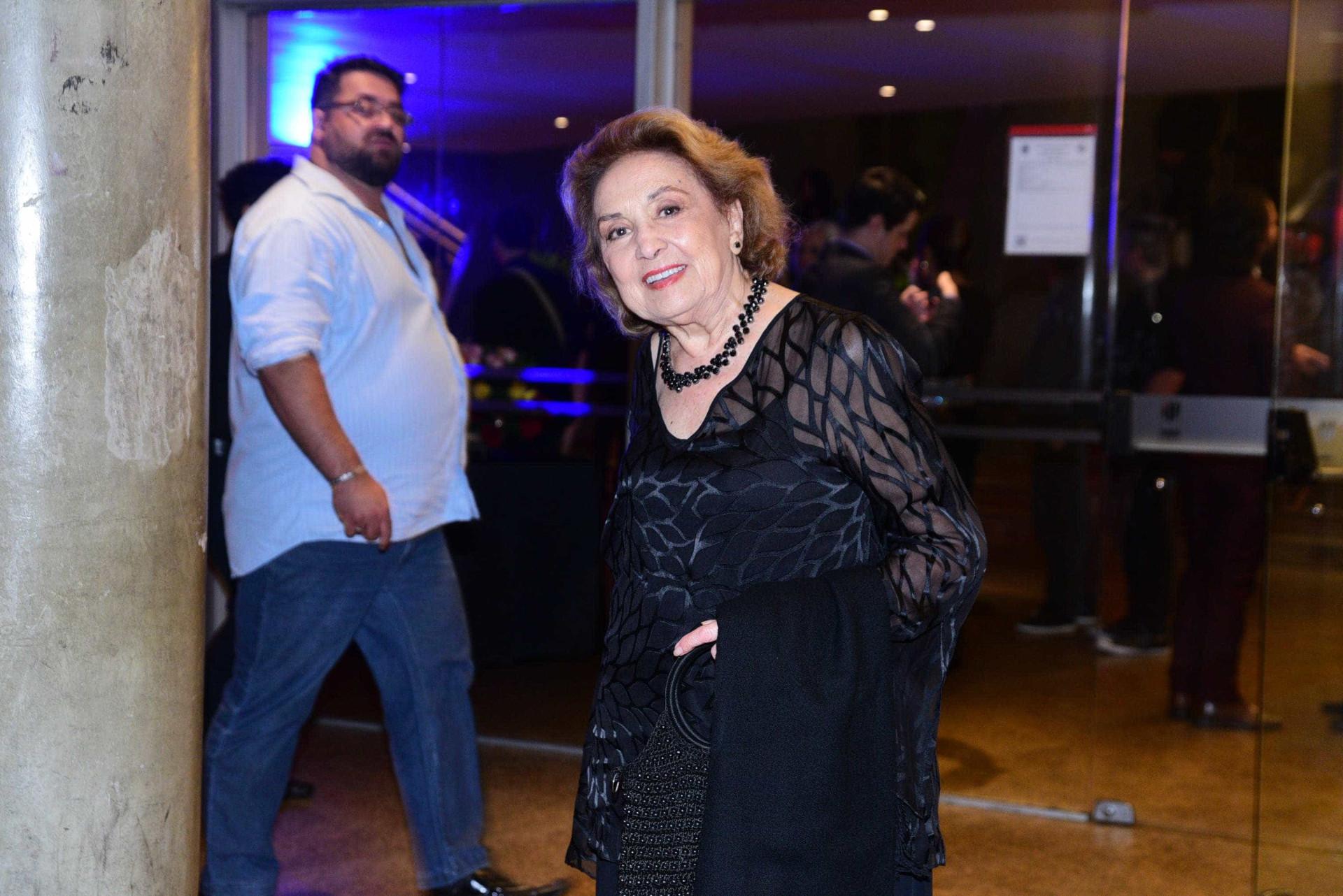 Famosos prestigiam premiação em São Paulo