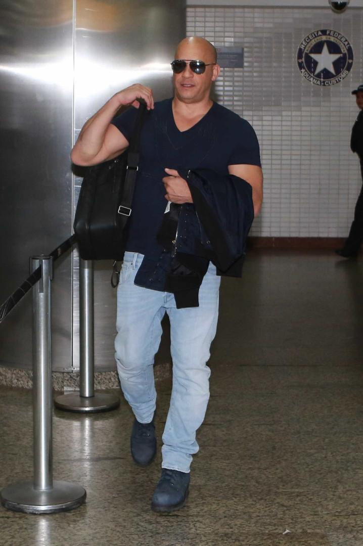 Vin Diesel chega ao Brasil e curte balada em São Paulo; confira