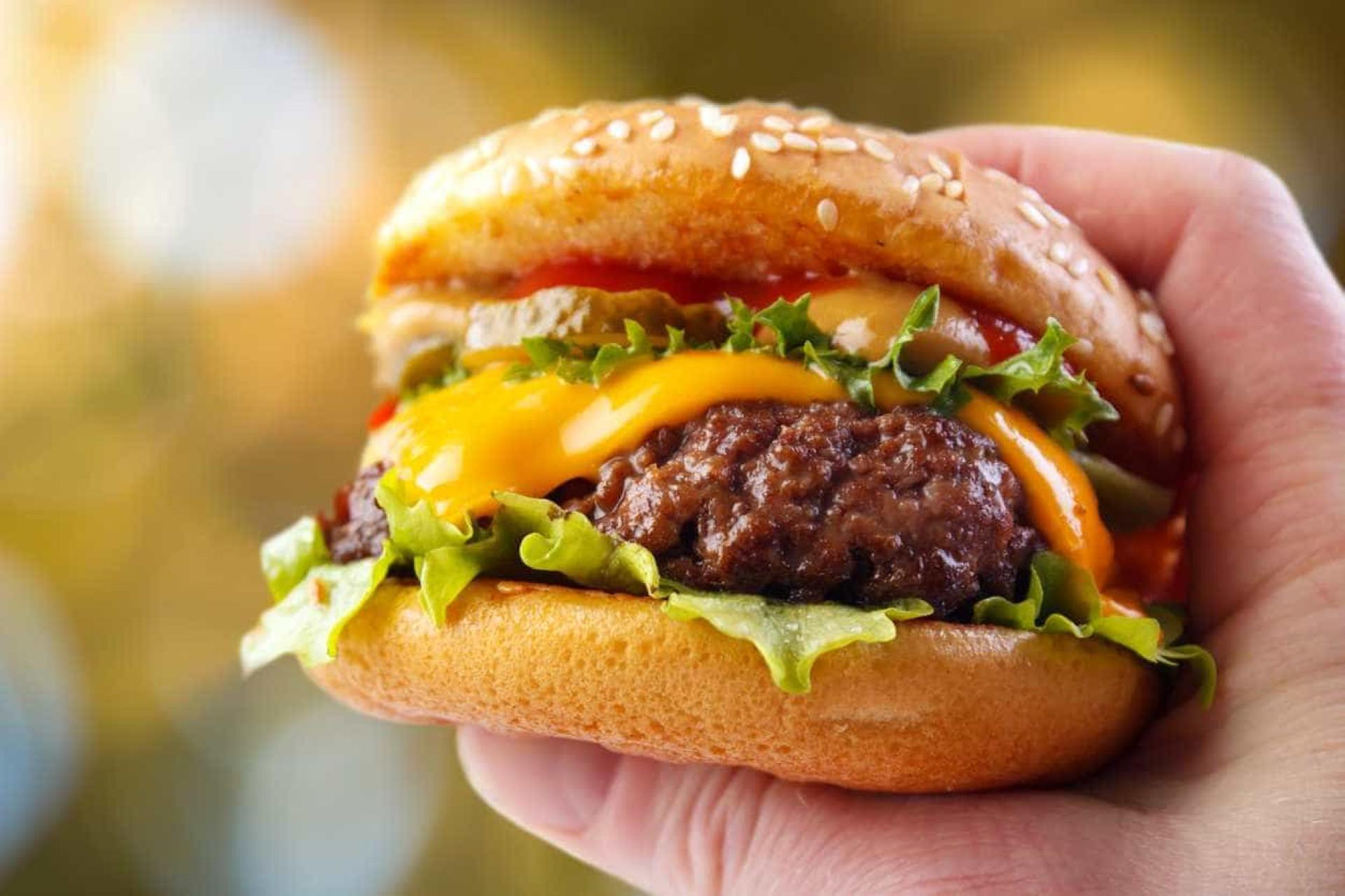 Conheça os 11 alimentos com maior poder inflamatório