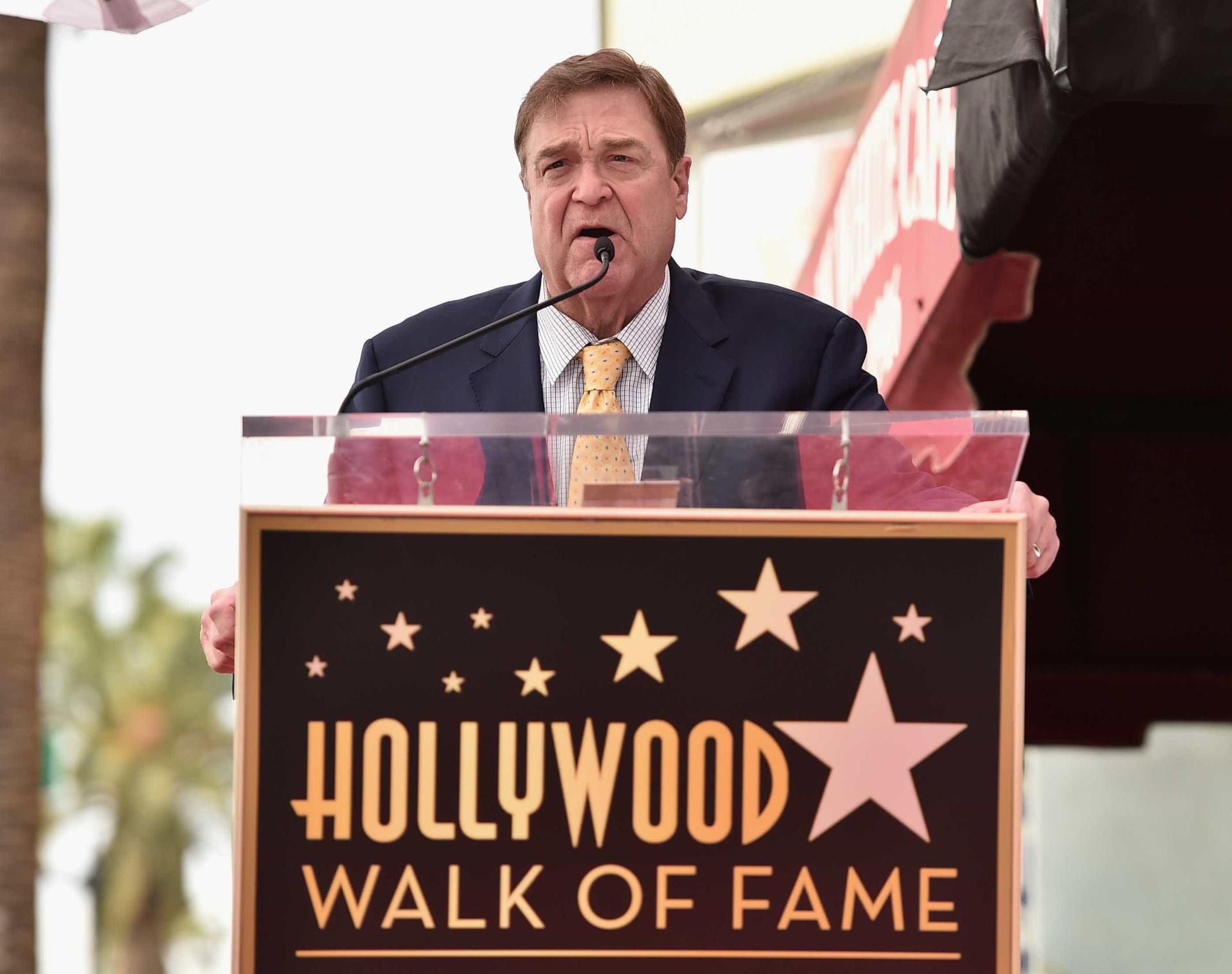 John Goodman recebe estrela na Calçada da Fama de Hollywood