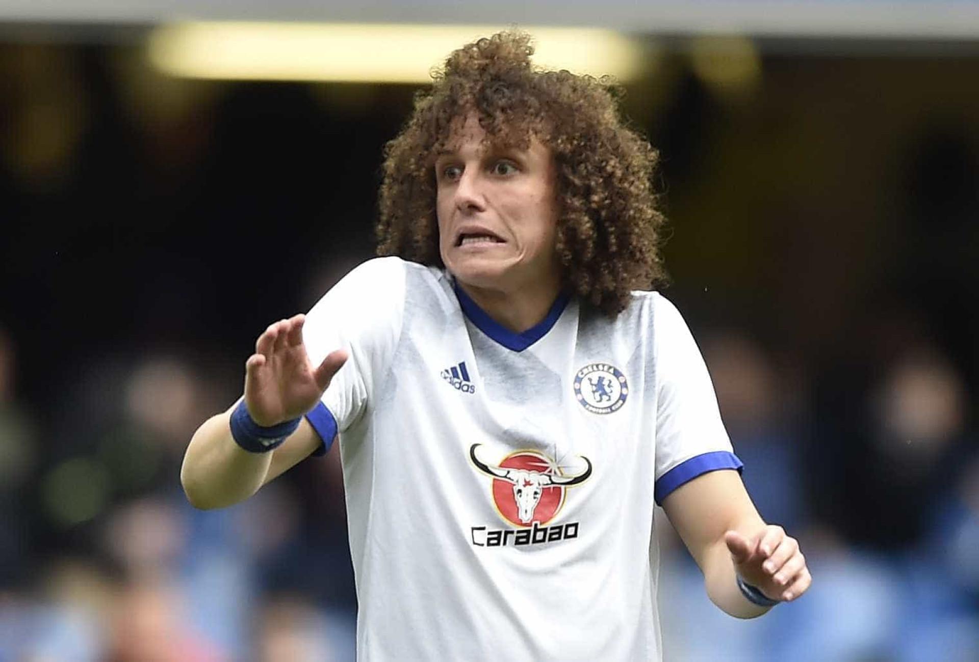 David Luiz gasta R$ 5 milhões em presentes para elenco do Chelsea