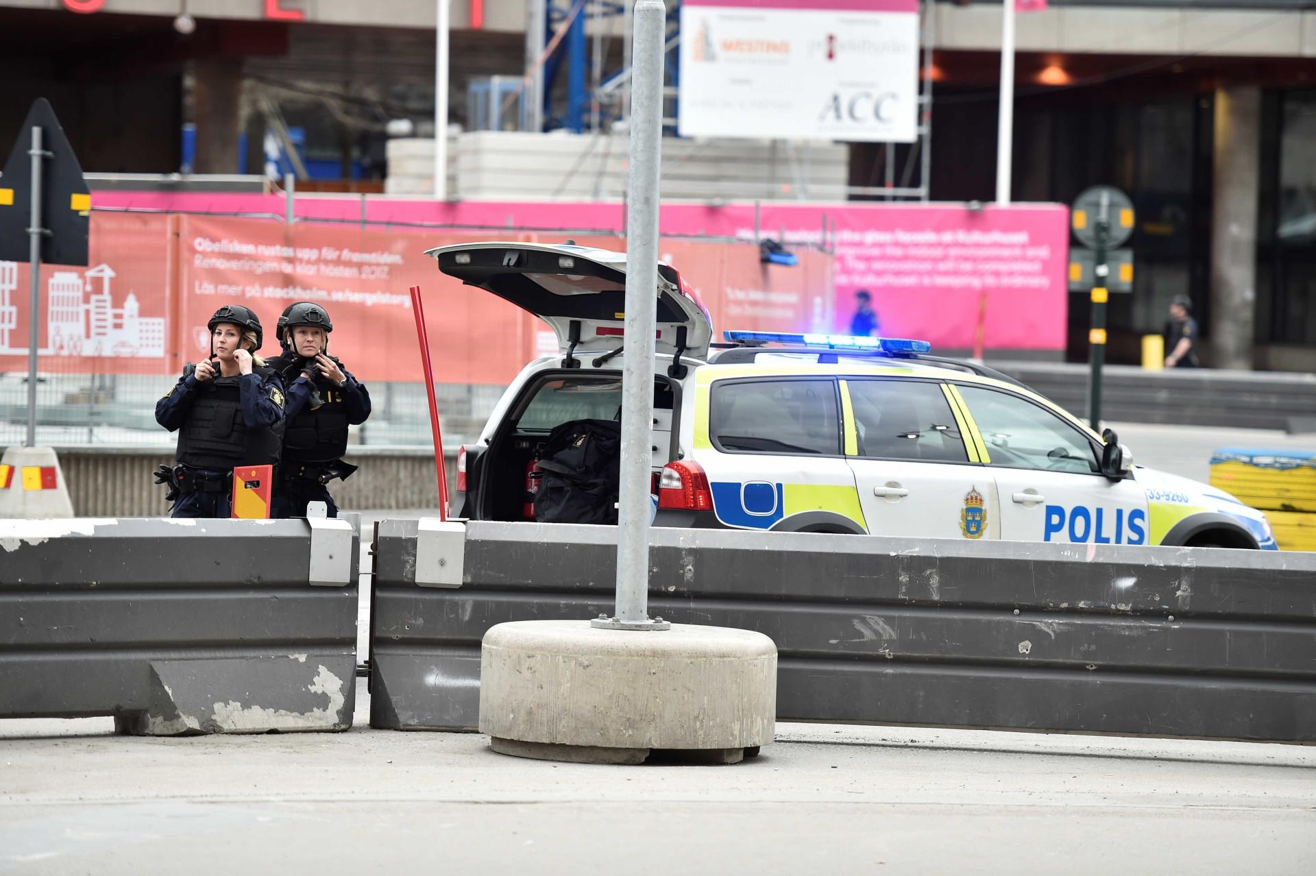 Ataque Escola Suzano Gallery: Veja Os Momentos De Tensão Após O Ataque Em Estocolmo