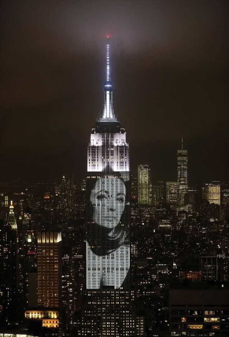 Musas internacionais ganham destaque no Empire State, NY