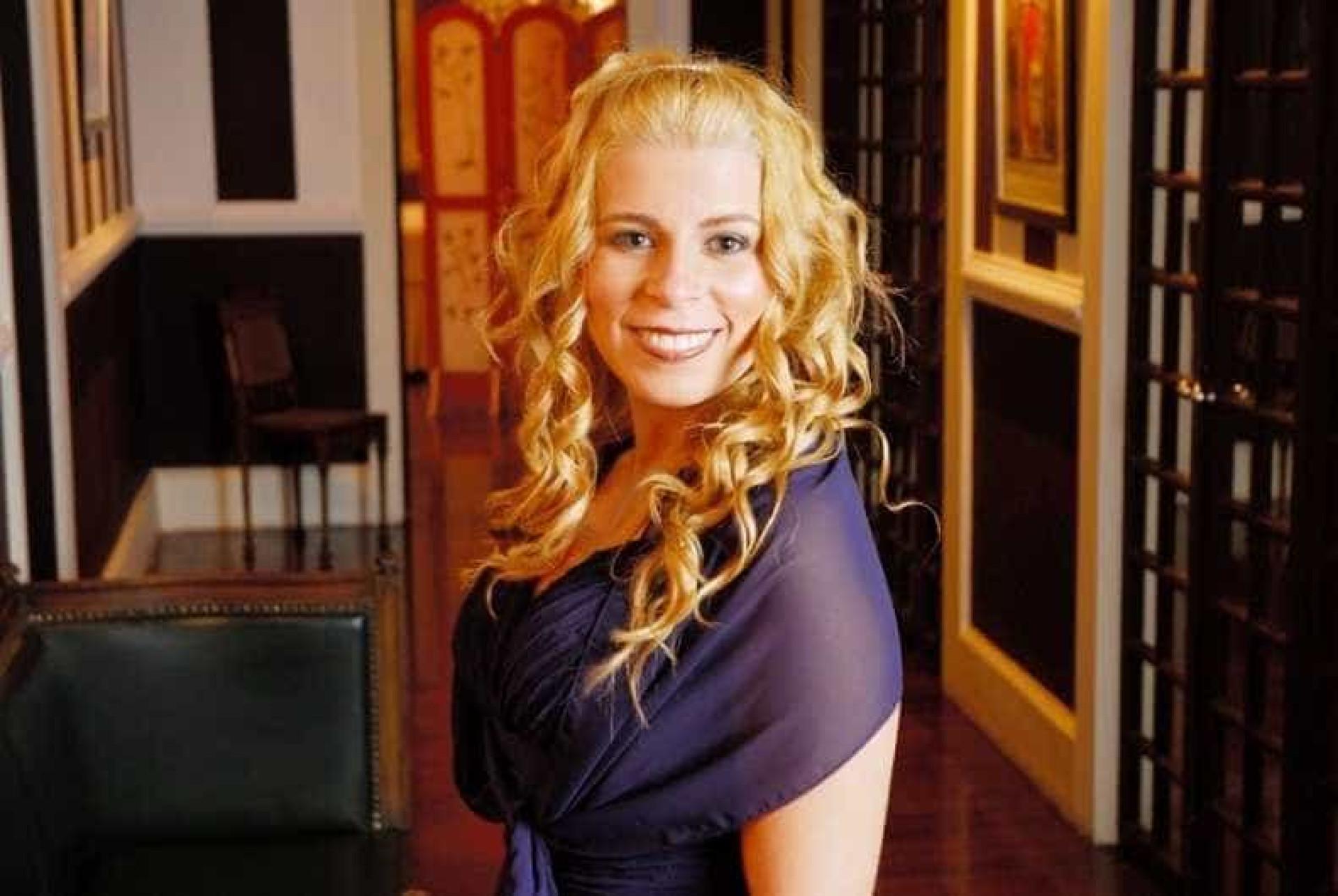 Cantora gospel vive romance com  pastor casado e fica grávida