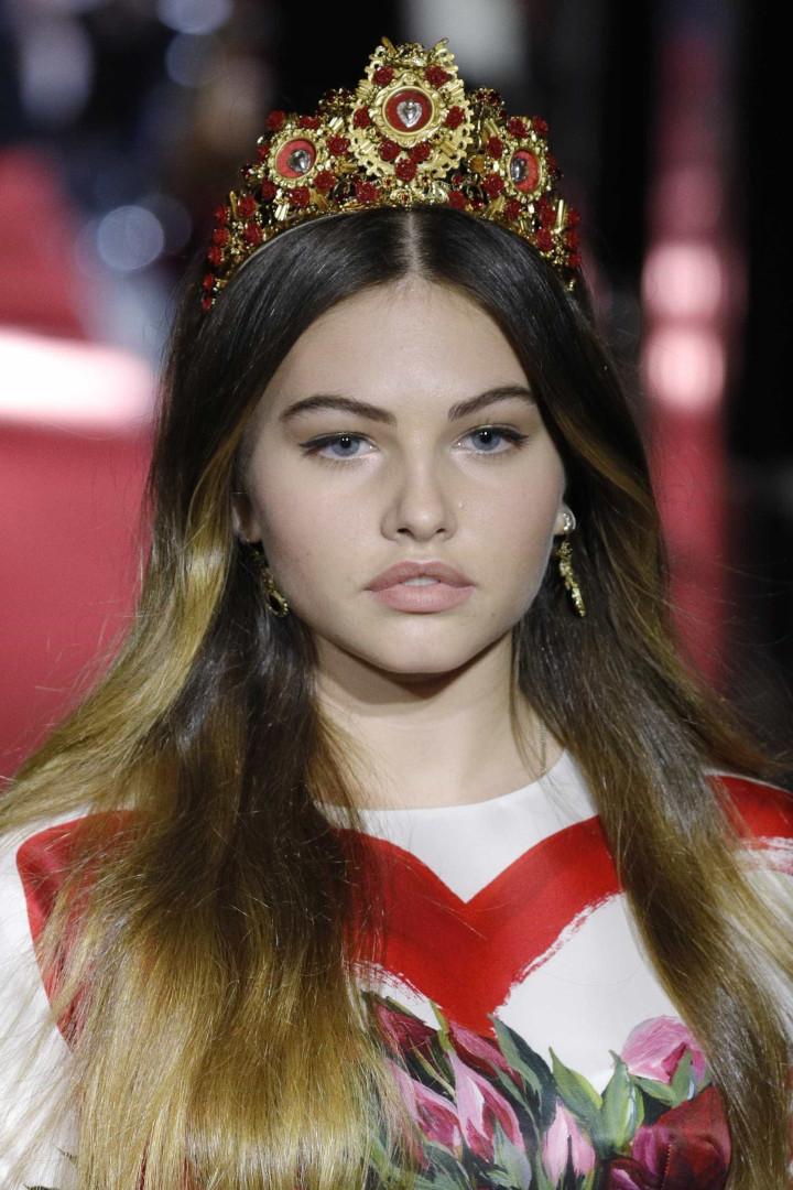 'Menina mais bonita do mundo' desfila na Semana da Moda em Milão