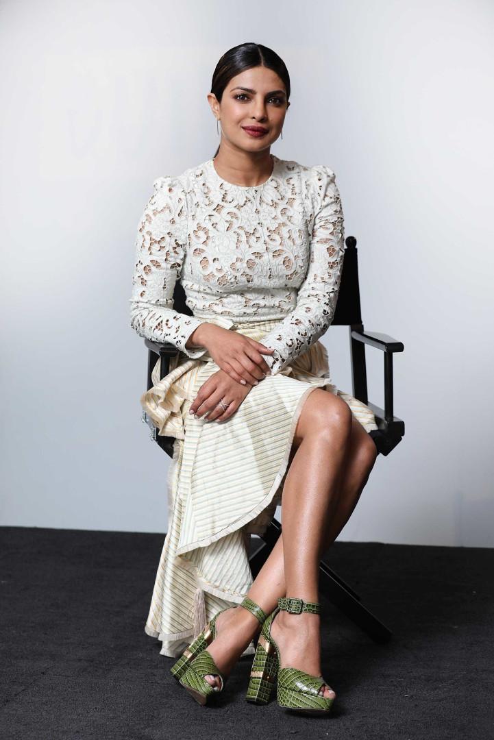 Conheça o estilo de Priyanka Chopra, a melhor amiga de Meghan