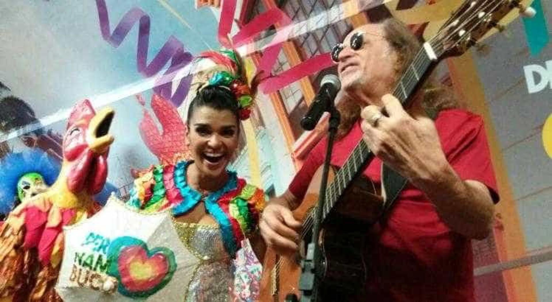 Alceu Valença faz show no metrô de SP para divulgar turismo em PE
