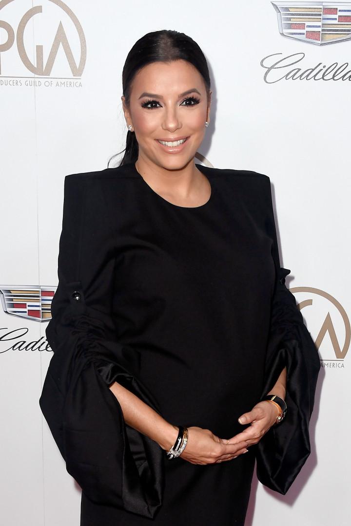 Do clássico ao ousado: celebridades que apostam no look preto