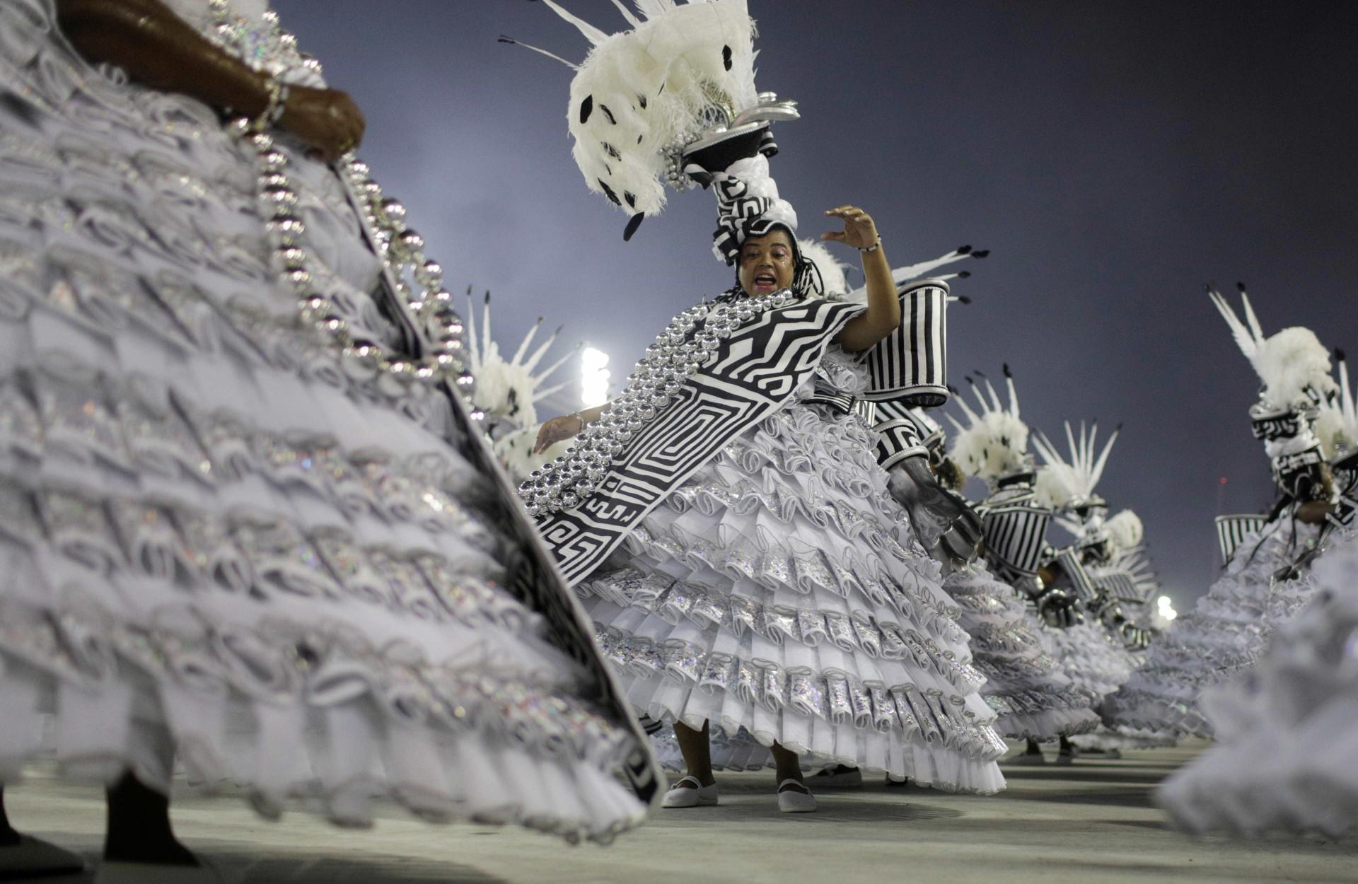 Carnaval Rio 2018: as melhores imagens da primeira noite de desfile