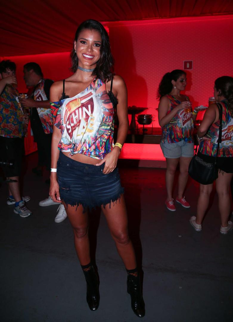 Miss Jakelyne Oliveira comenta semelhança com Bruna Marquezine