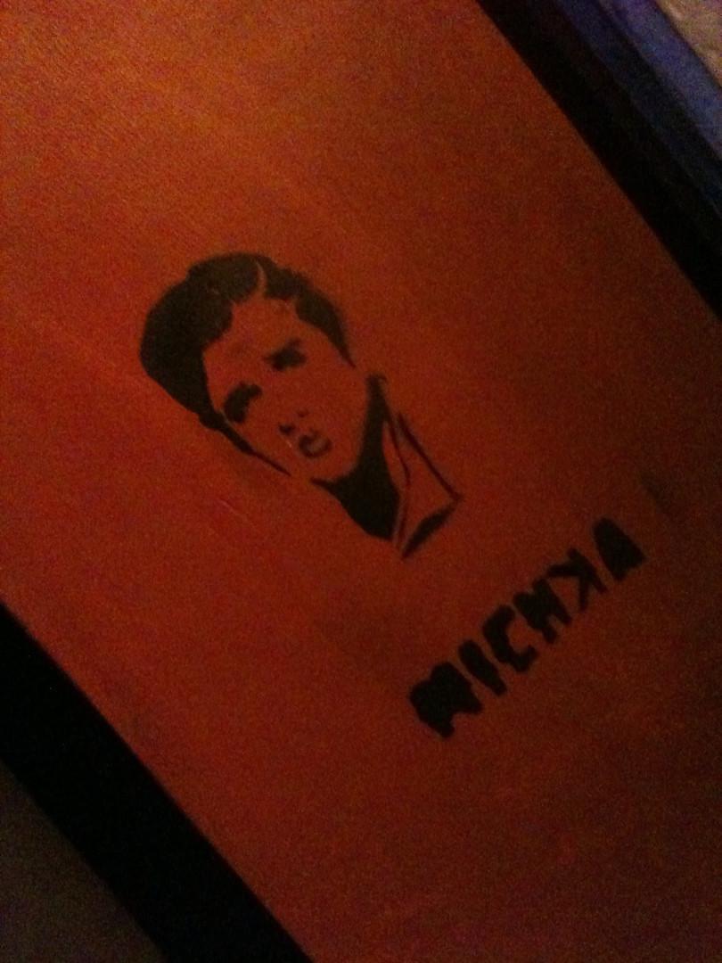 Elvis Presley: incríveis homenagens ao Rei do Rock em arte urbana