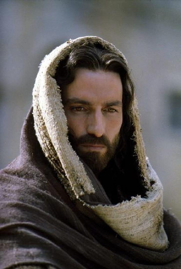Relembre as estrelas que já interpretaram personagens religiosos