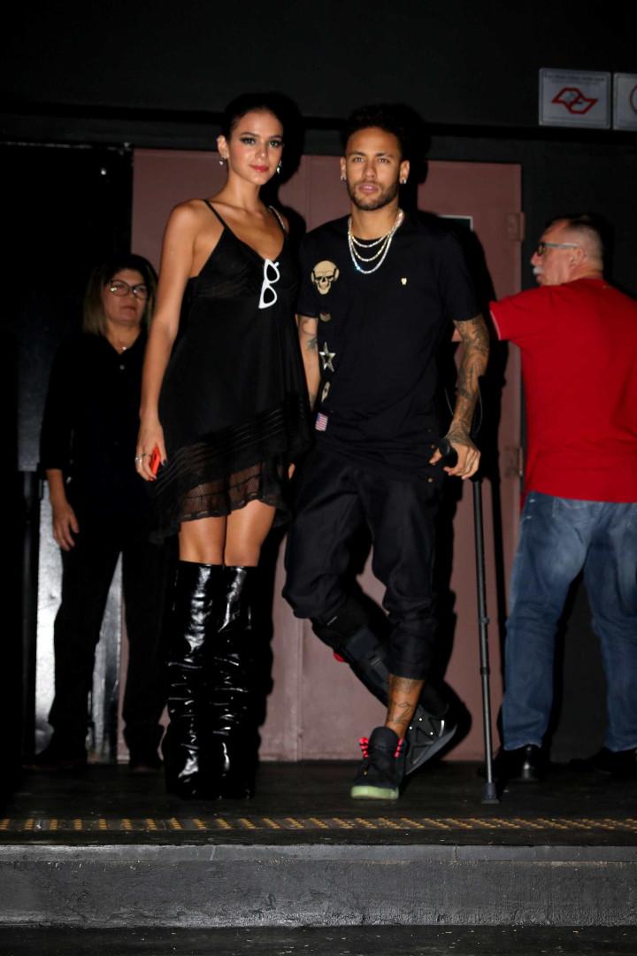Irmã de Neymar comemora aniversário com festa na Villa Mix em SP