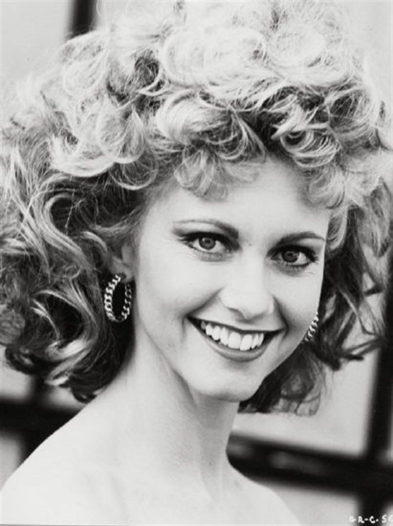 Permanente: celebridades ressuscitam penteado sucesso dos anos 80
