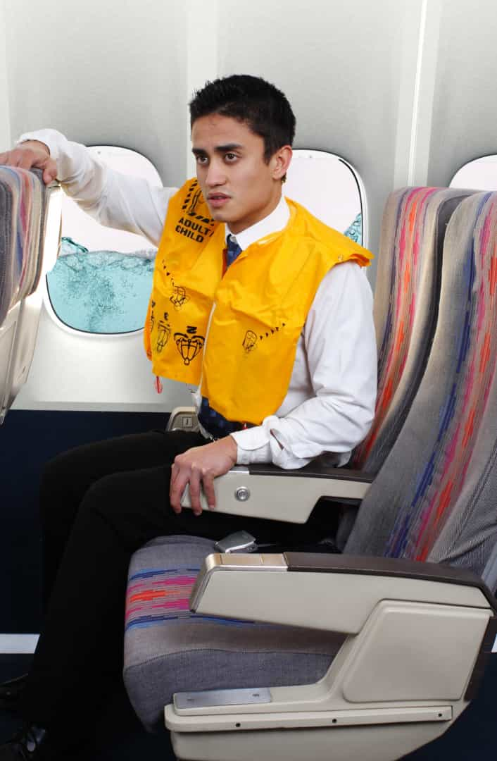 Emergência: orientações de como sobreviver a um acidente de avião