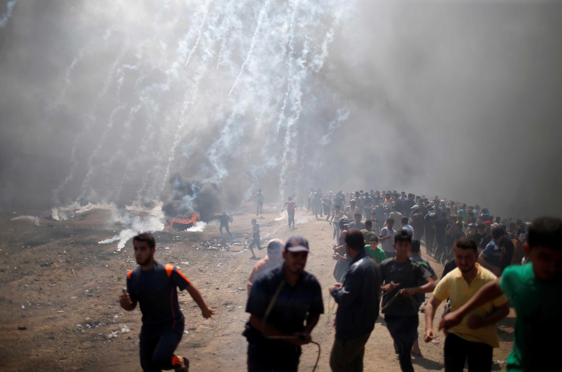 Gaza: ato contra embaixada dos EUA deixa 52 mortos e 500 feridos; fotos