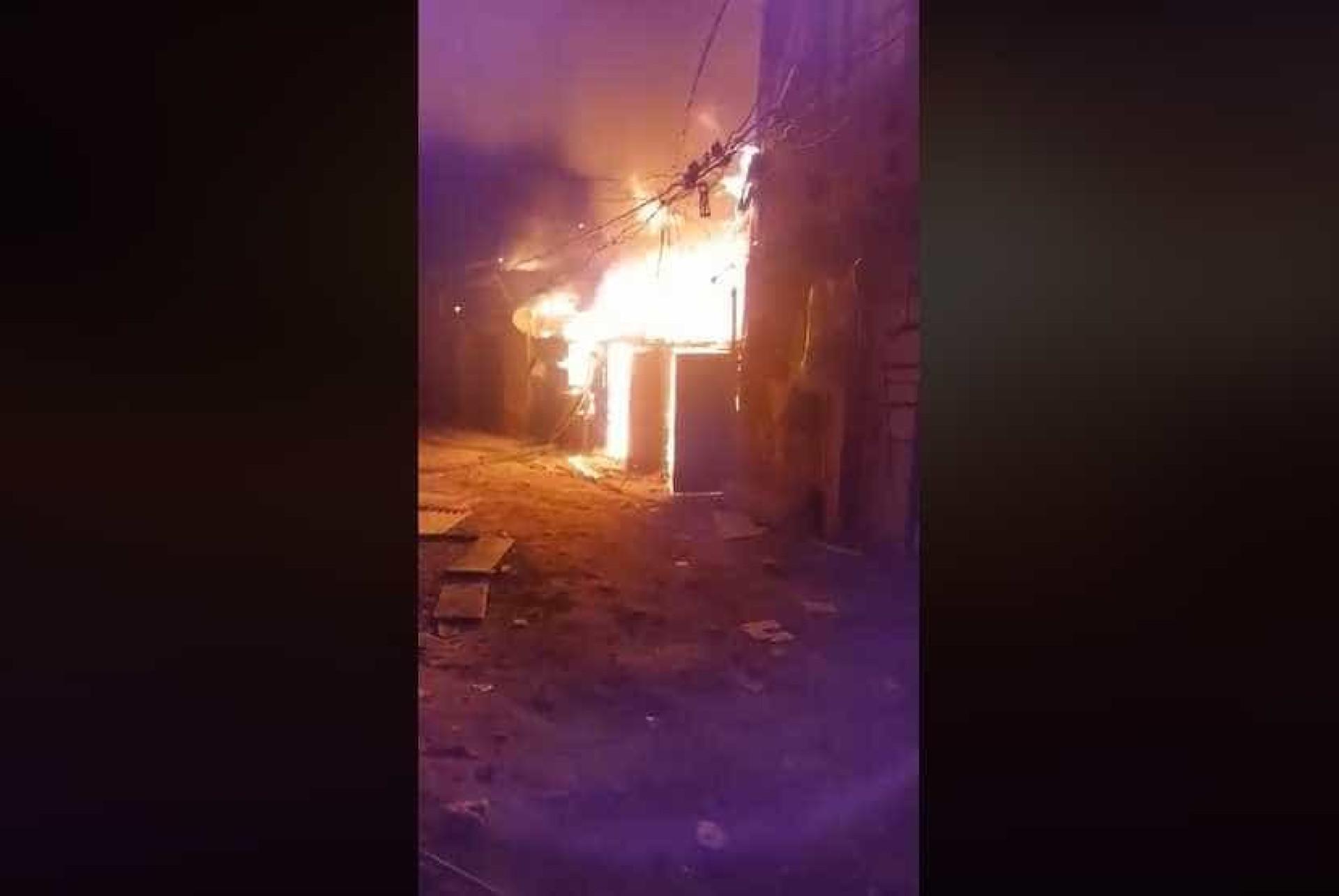 Ocupação na Zona Norte de SP pega fogo; veja vídeo