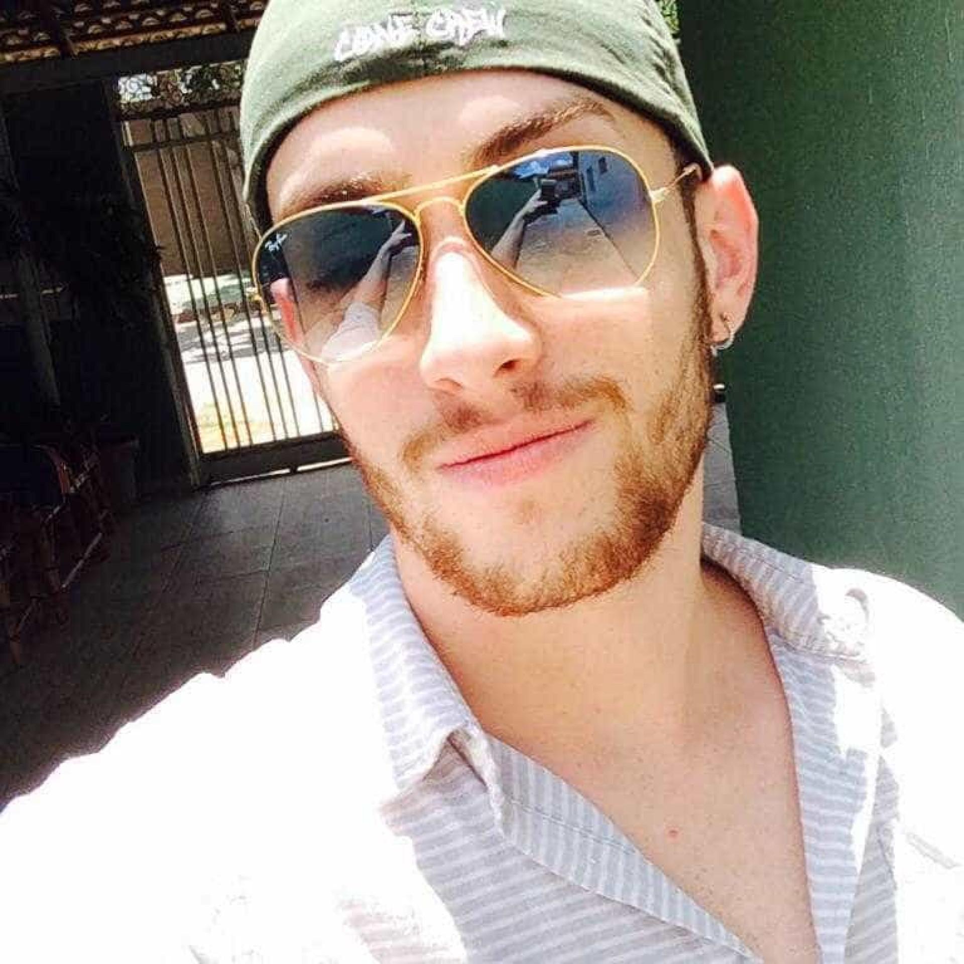 Suspeito invade casa, mata cabeleireiro e mãe presencia crime em Goiás