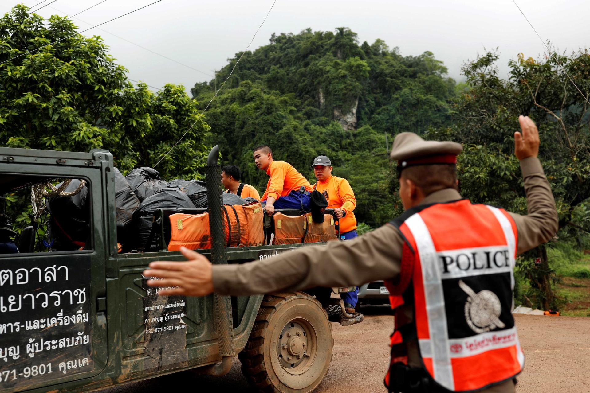 Veja fotos do resgate dos 4 meninos presos em caverna na Tailândia
