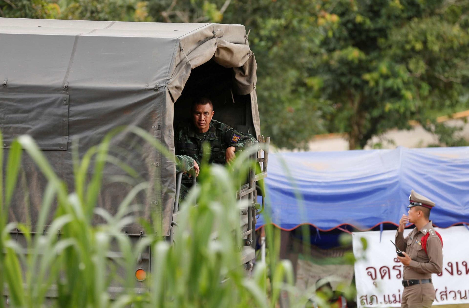 Veja fotos do resgate dos meninos presos em caverna na Tailândia