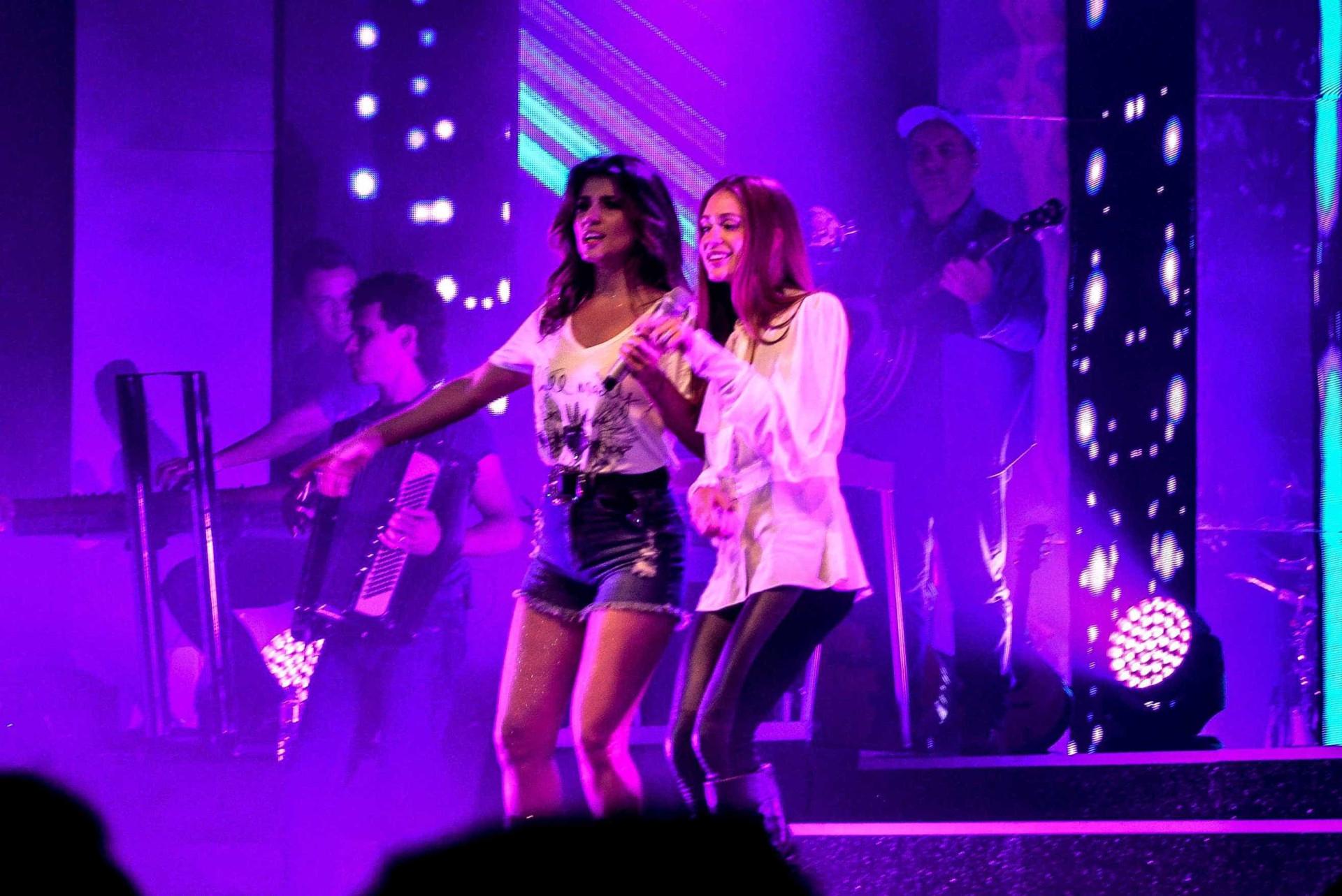 Paula Fernandes divide palco com Marina Ruy em estreia de show no Rio