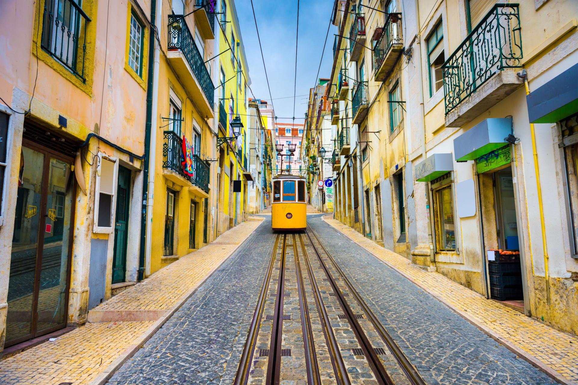 Portugal está entre os países que trabalham mais horas; veja a lista
