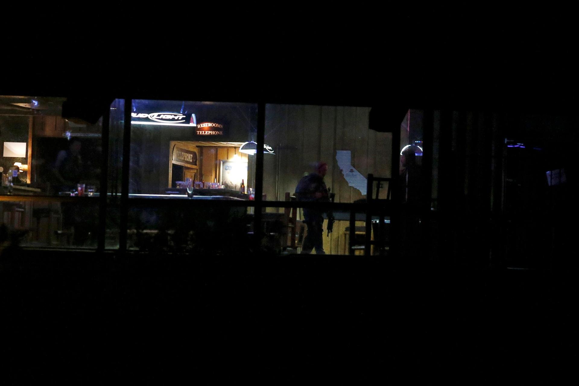 As imagens do massacre de Thousand Oaks que matou 12 pessoas