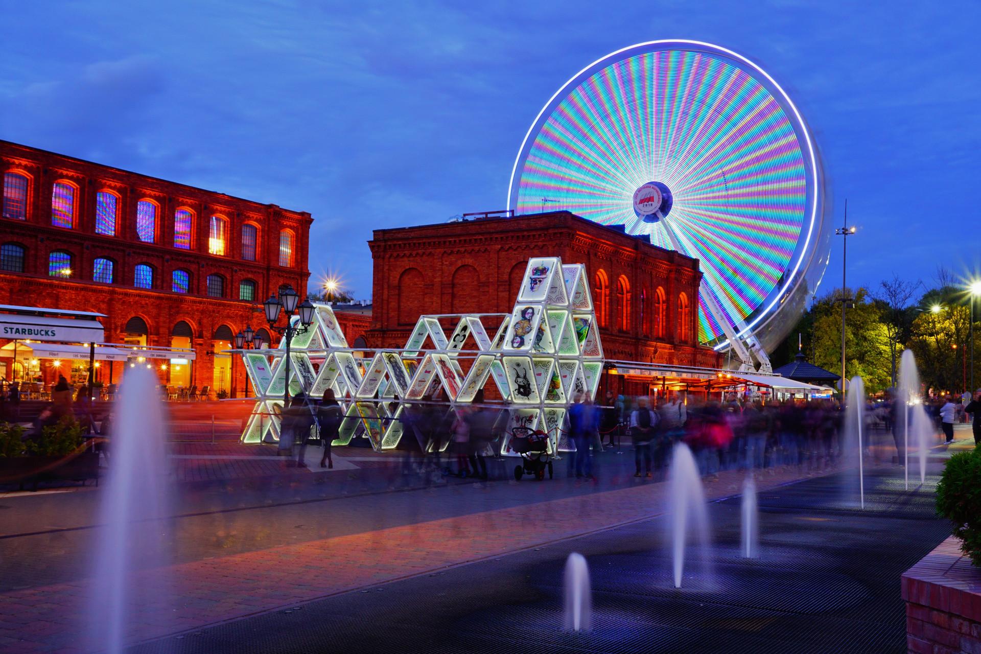 Clima de Natal: as cidades que brilham em festivais de luzes vibrantes