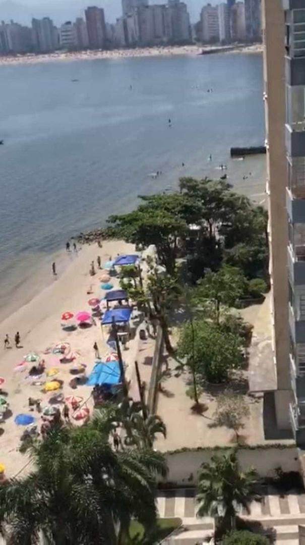 Tiroteio mata um e fere dois em praia no litoral de São Paulo