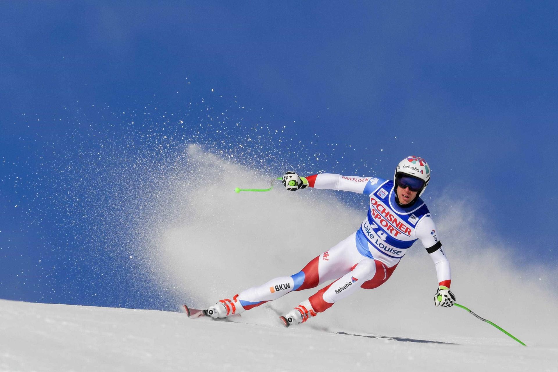 Esquiador sofre múltiplas lesões após acidente no Mundial; vídeo
