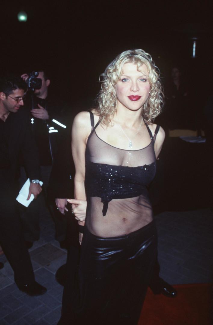 Antes e depois: as estrelas que foram ícones da moda nos anos 90