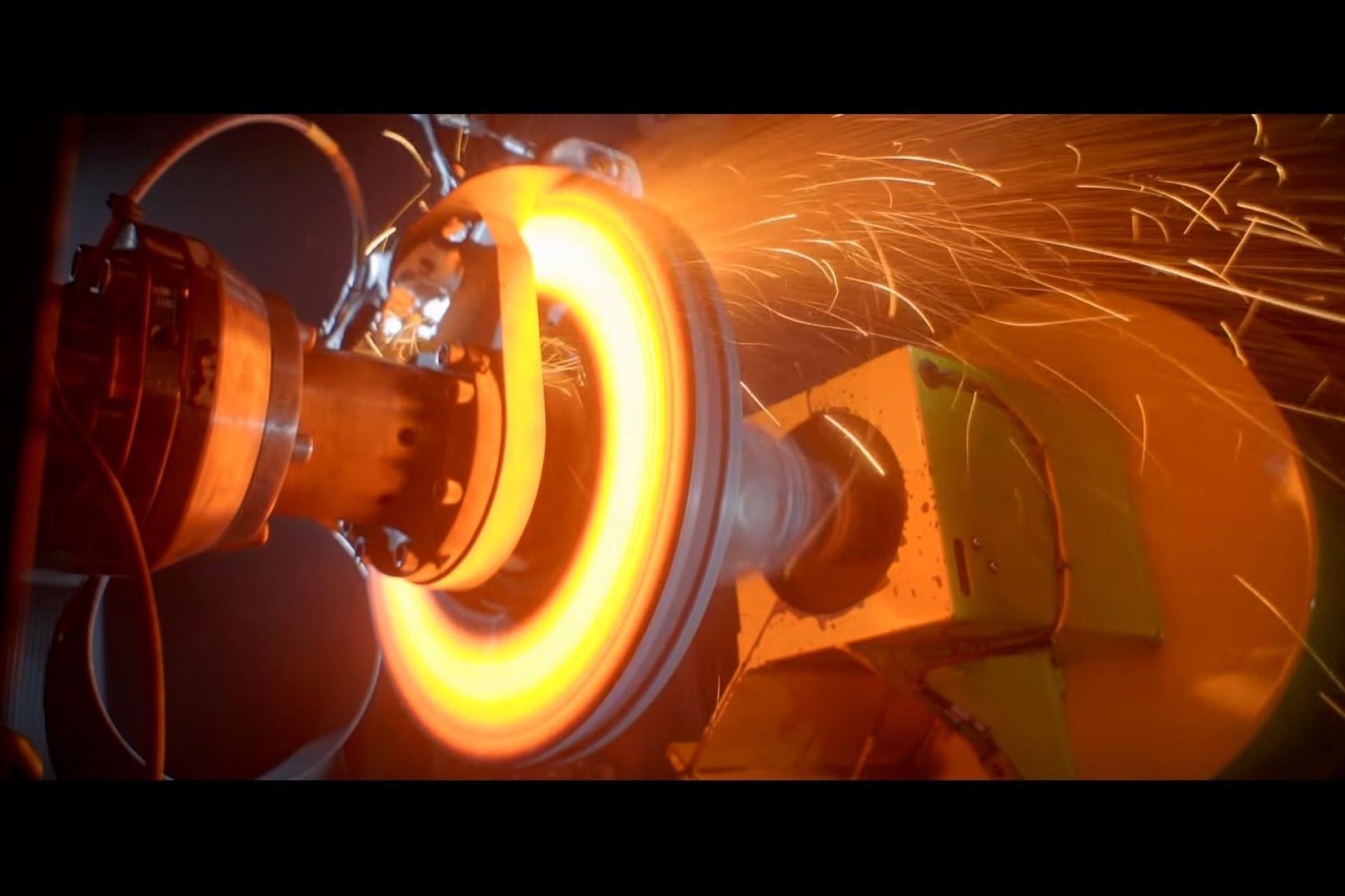 Vídeo mostra como a Bugatti testa os seus freios