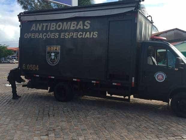 Bomba é encontrada em carro em Bope isola área na BA