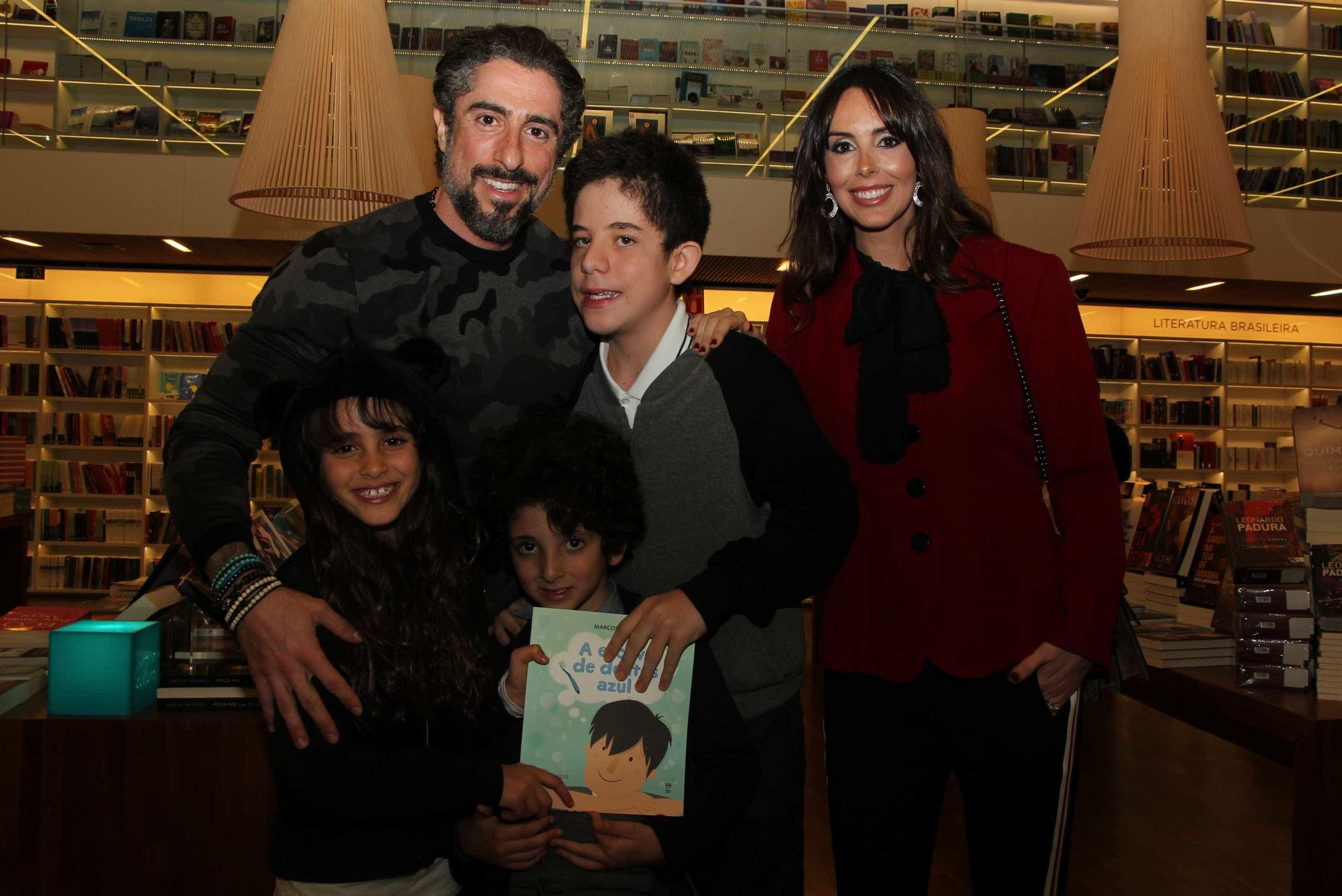 Marcos Mion lança livro em SP -