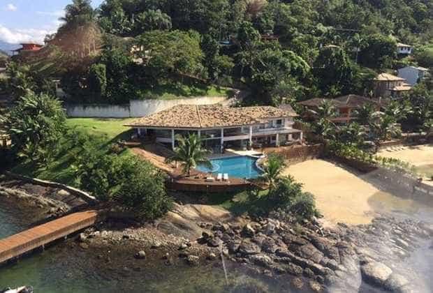 Conheça a mansão de R$20 milhões onde Michel Teló passou o ano novo