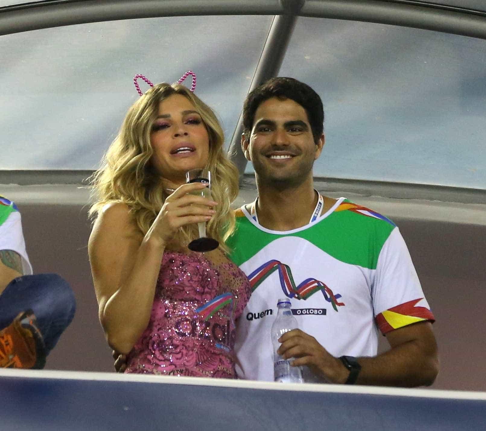 Grazi Massafera e namorado são flagrados em 'clima quente' no carnaval